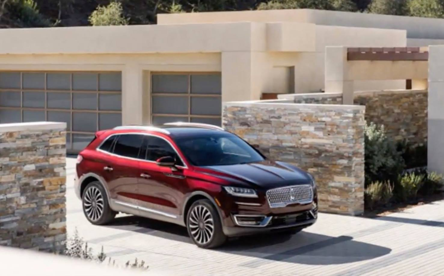 http://www.autoguide.com/blog/wp-content/gallery/2019-lincoln-nautilus/2019-Lincoln-Nautilus00003.jpg