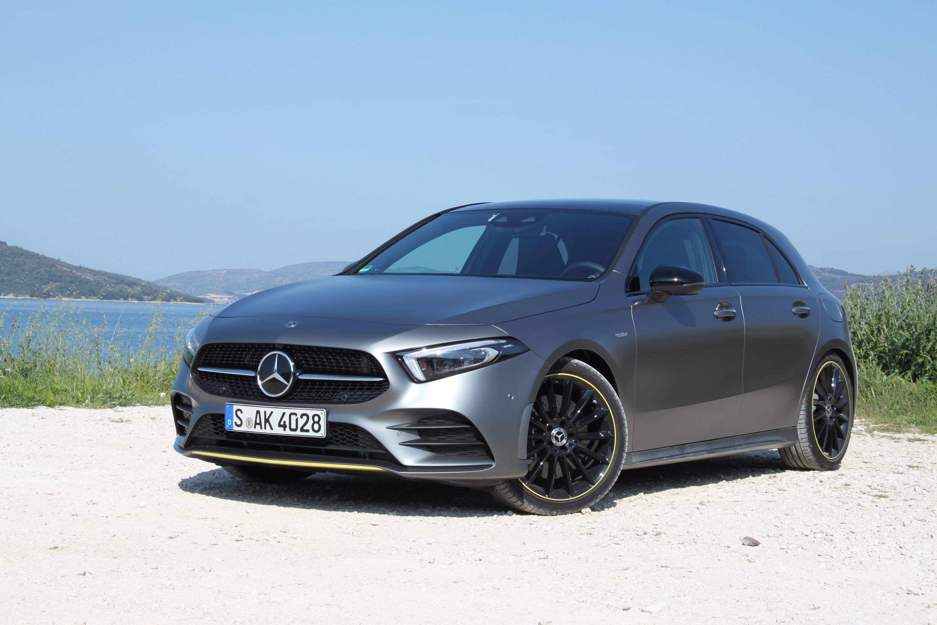 2019 mercedes benz a class review. Black Bedroom Furniture Sets. Home Design Ideas