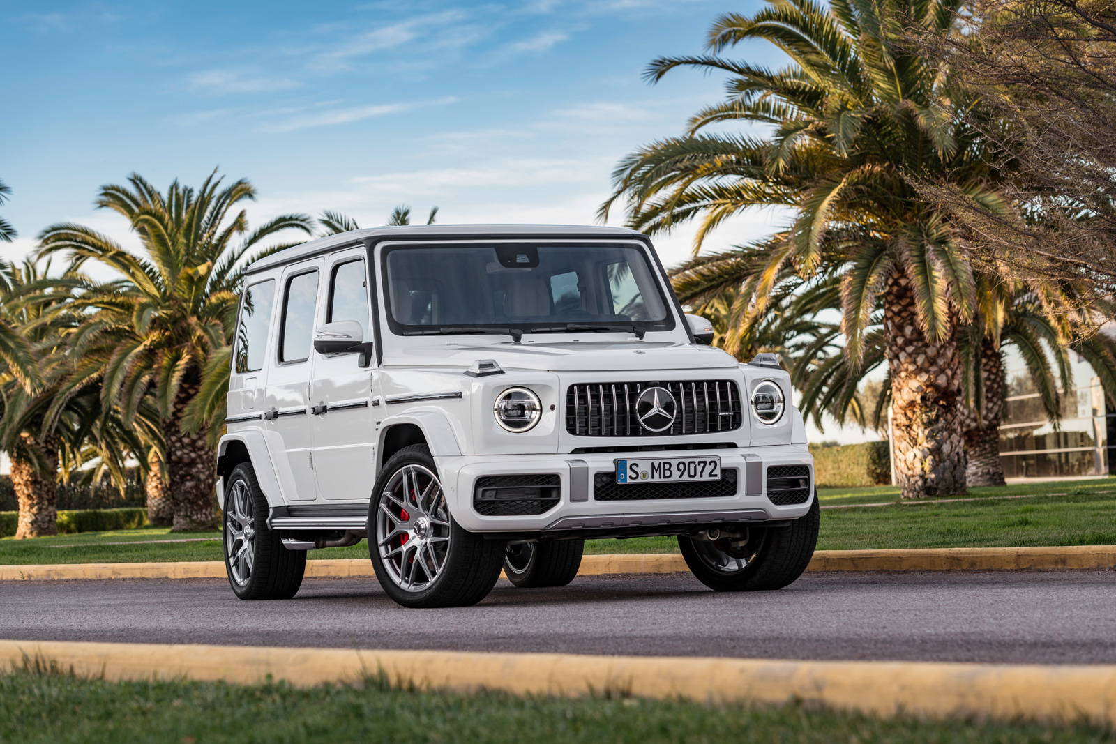 2019 mercedes amg g63 goes off roading with 577 hp for Mercedes benz g class amg