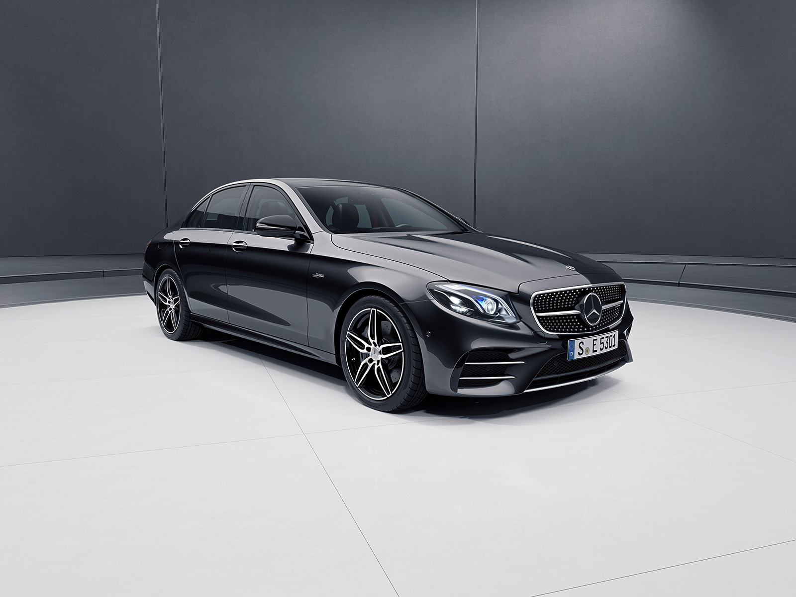 2019 mercedes amg e53 sedan and wagon break cover news. Black Bedroom Furniture Sets. Home Design Ideas