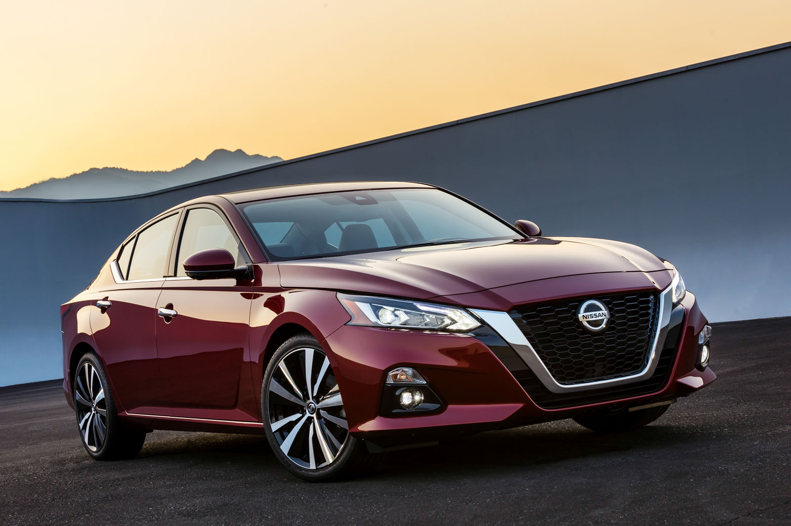 2019 Nissan Altima Gets AWD, Variable Compression Turbo ...