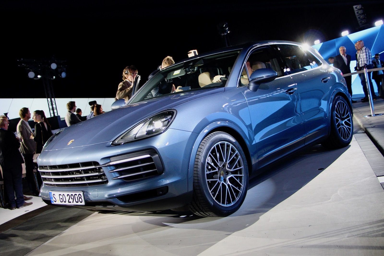 updated 2019 porsche cayenne revealed with 911 inspired styling news. Black Bedroom Furniture Sets. Home Design Ideas