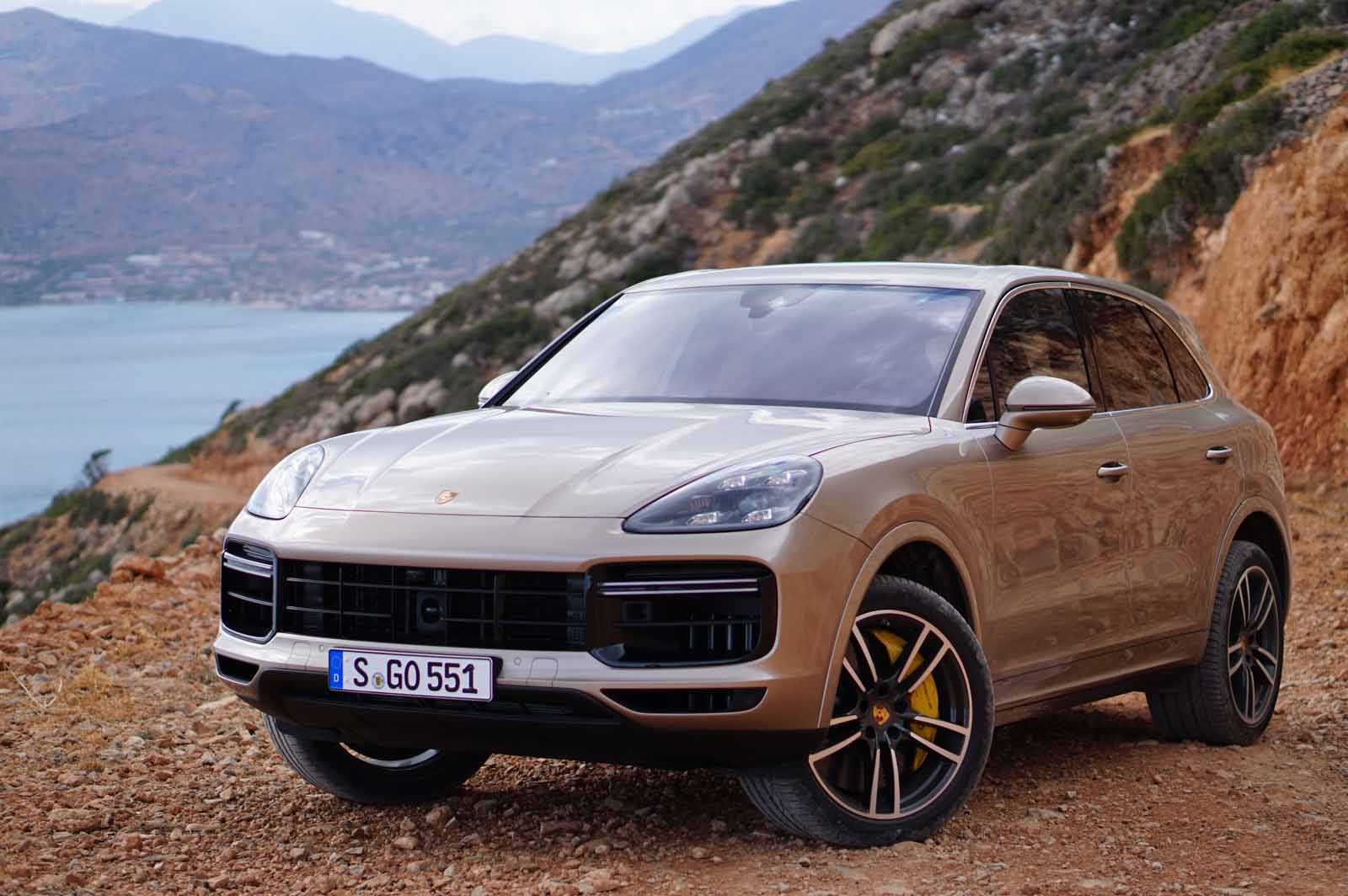2019 porsche cayenne review lai 11