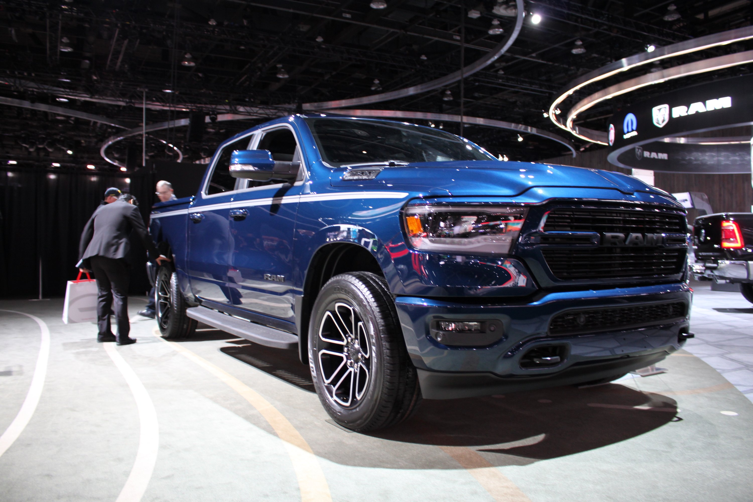 2019 Ram 1500 Loses 225 Pounds, Gains Hybrid Tech » AutoGuide.com News