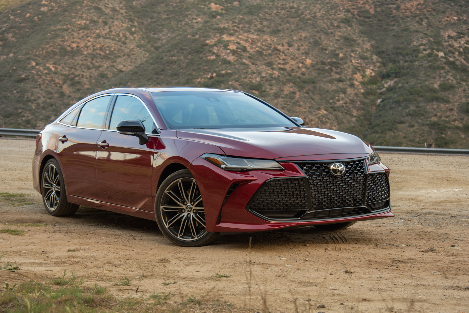 2019 Toyota Avalon Review Autoguide Com