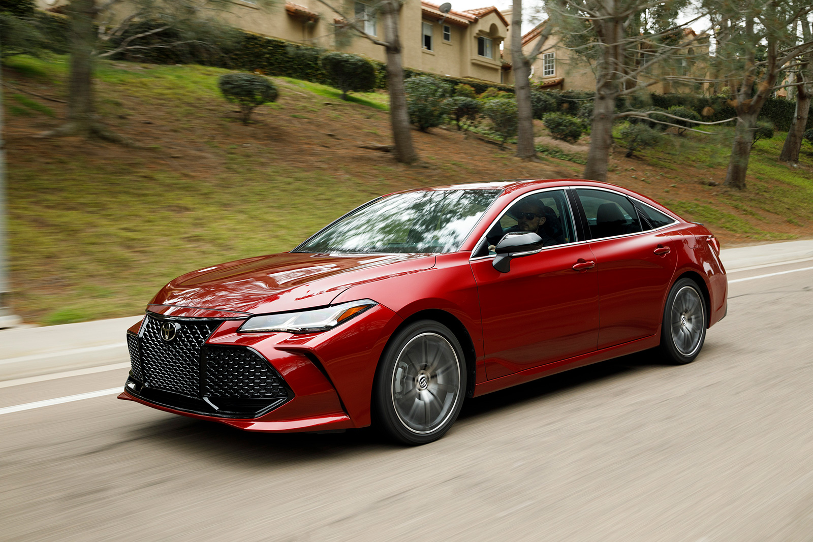 all new 2019 toyota avalon is 2 000 more expensive news. Black Bedroom Furniture Sets. Home Design Ideas