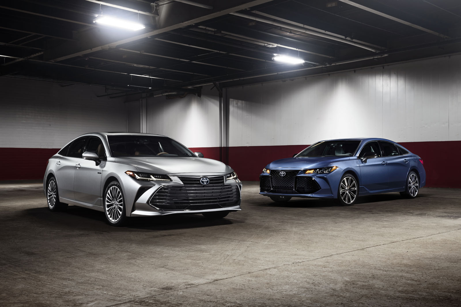 brand new 2019 toyota avalon debuts 5 things you need to know news. Black Bedroom Furniture Sets. Home Design Ideas