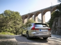 2019-Volvo-V60-First-Drive-Review-11