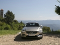 2019-Volvo-V60-First-Drive-Review-13