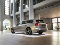 2019-Volvo-V60-First-Drive-Review-8