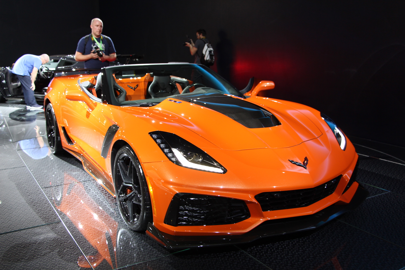 2019 Corvette Zr1 Convertible Debuts In Sunny Los Angeles