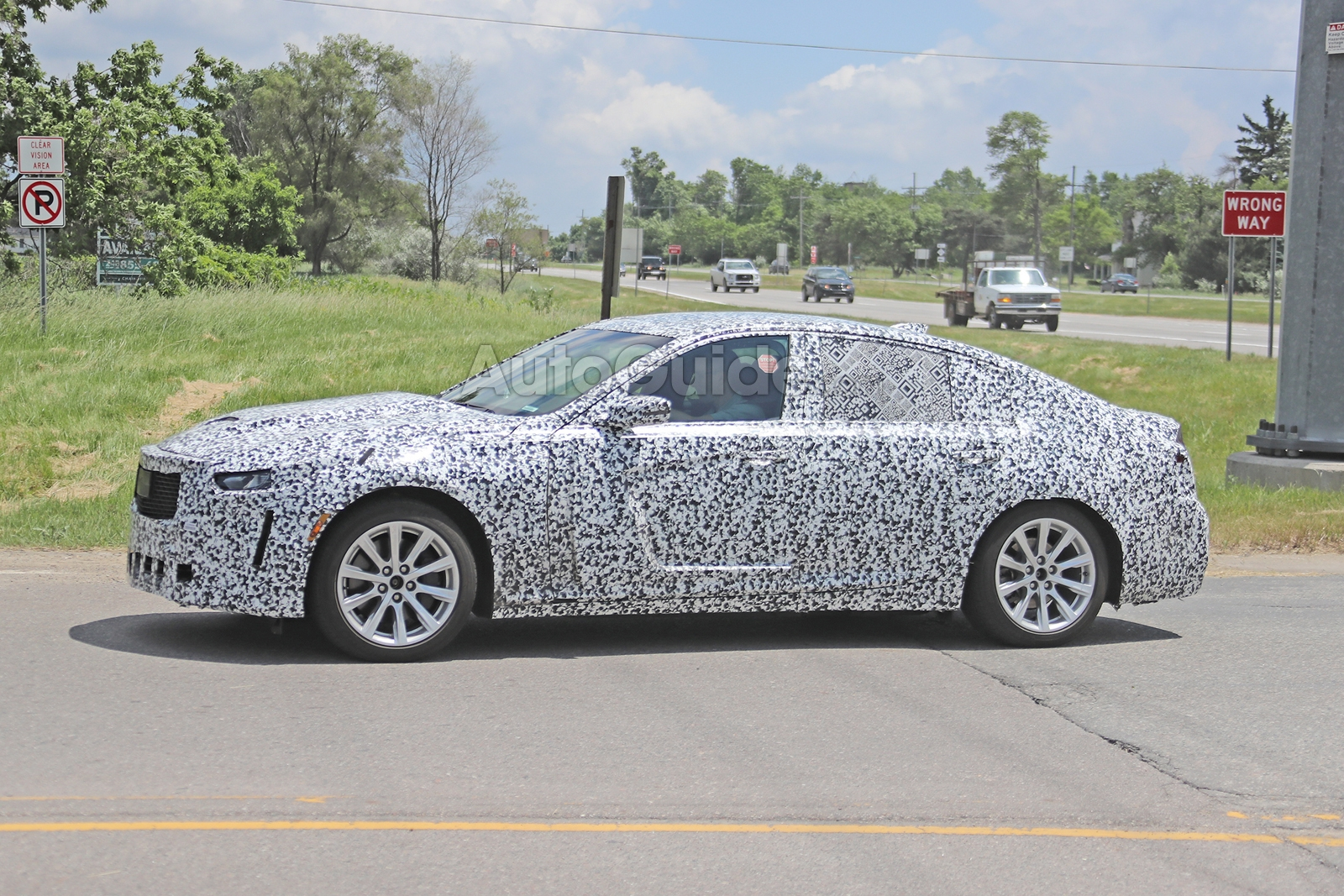 Cadillac-CT5-Spied-10