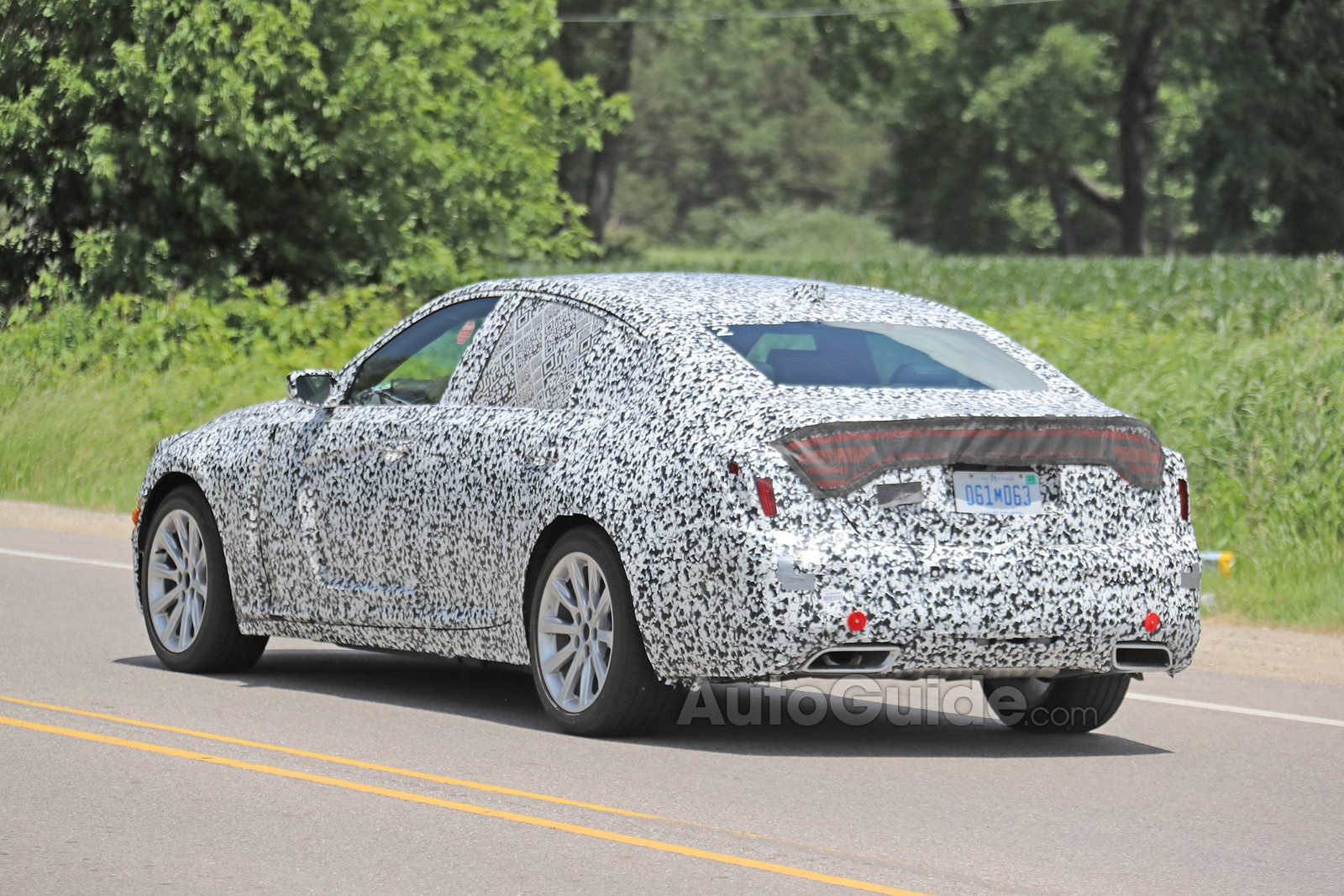 Cadillac-CT5-Spied-15
