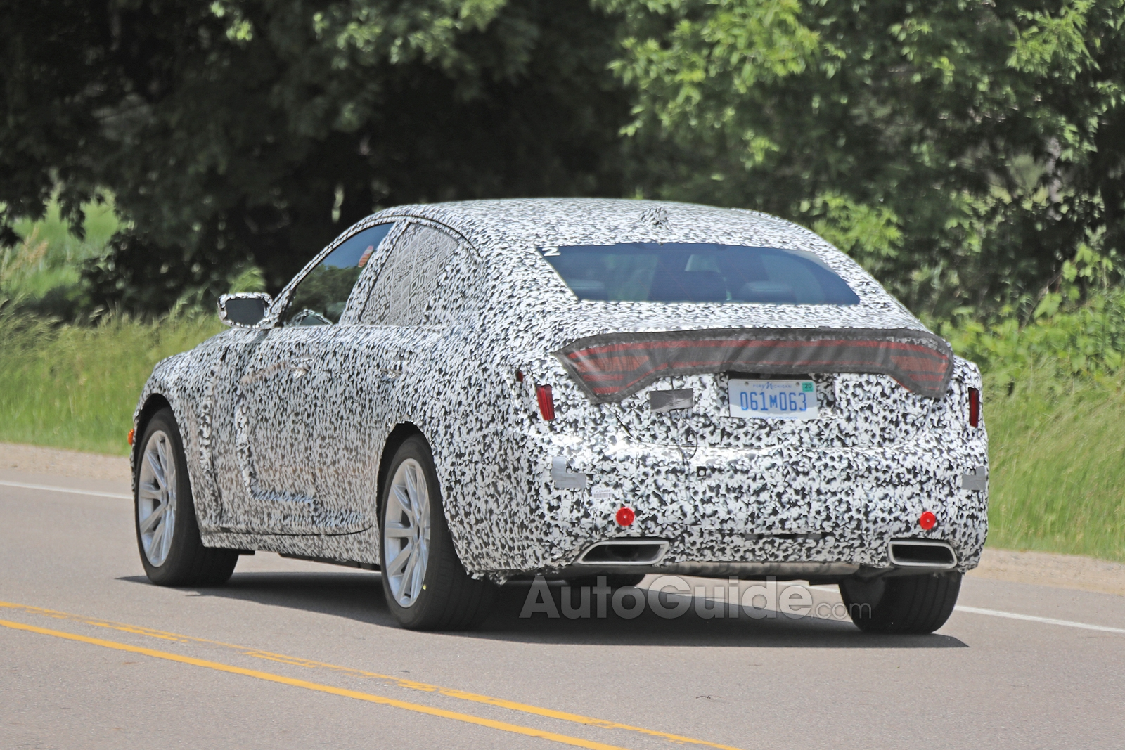 Cadillac-CT5-Spied-16
