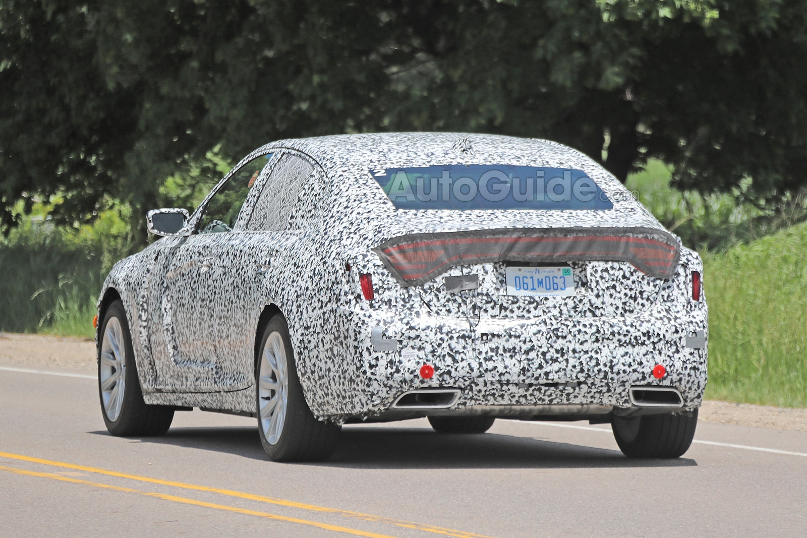 Cadillac-CT5-Spied-17