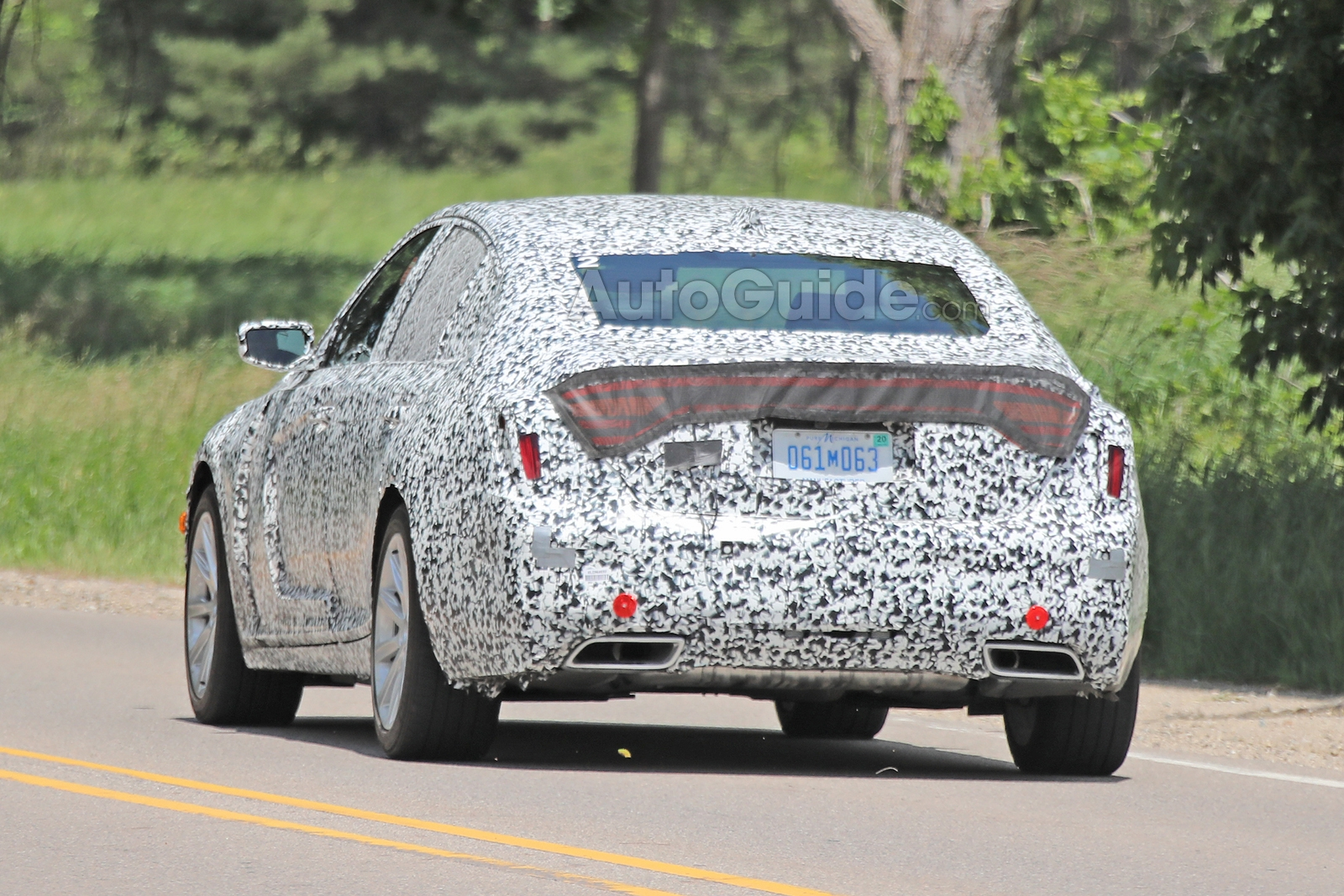 Cadillac-CT5-Spied-18