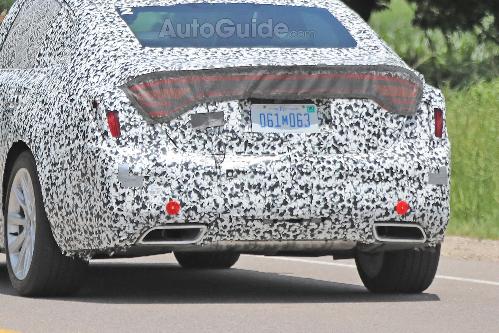 Cadillac-CT5-Spied-19
