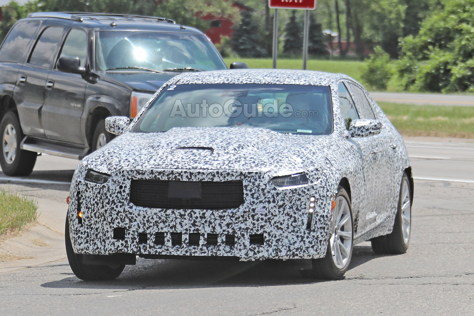 Cadillac-CT5-Spied-3