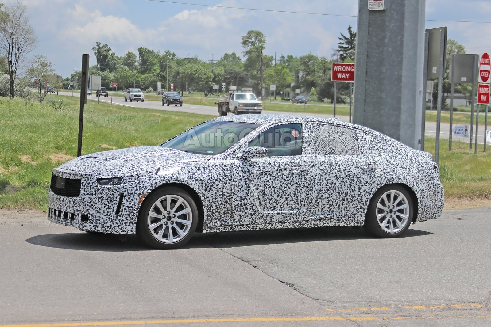 Cadillac-CT5-Spied-9