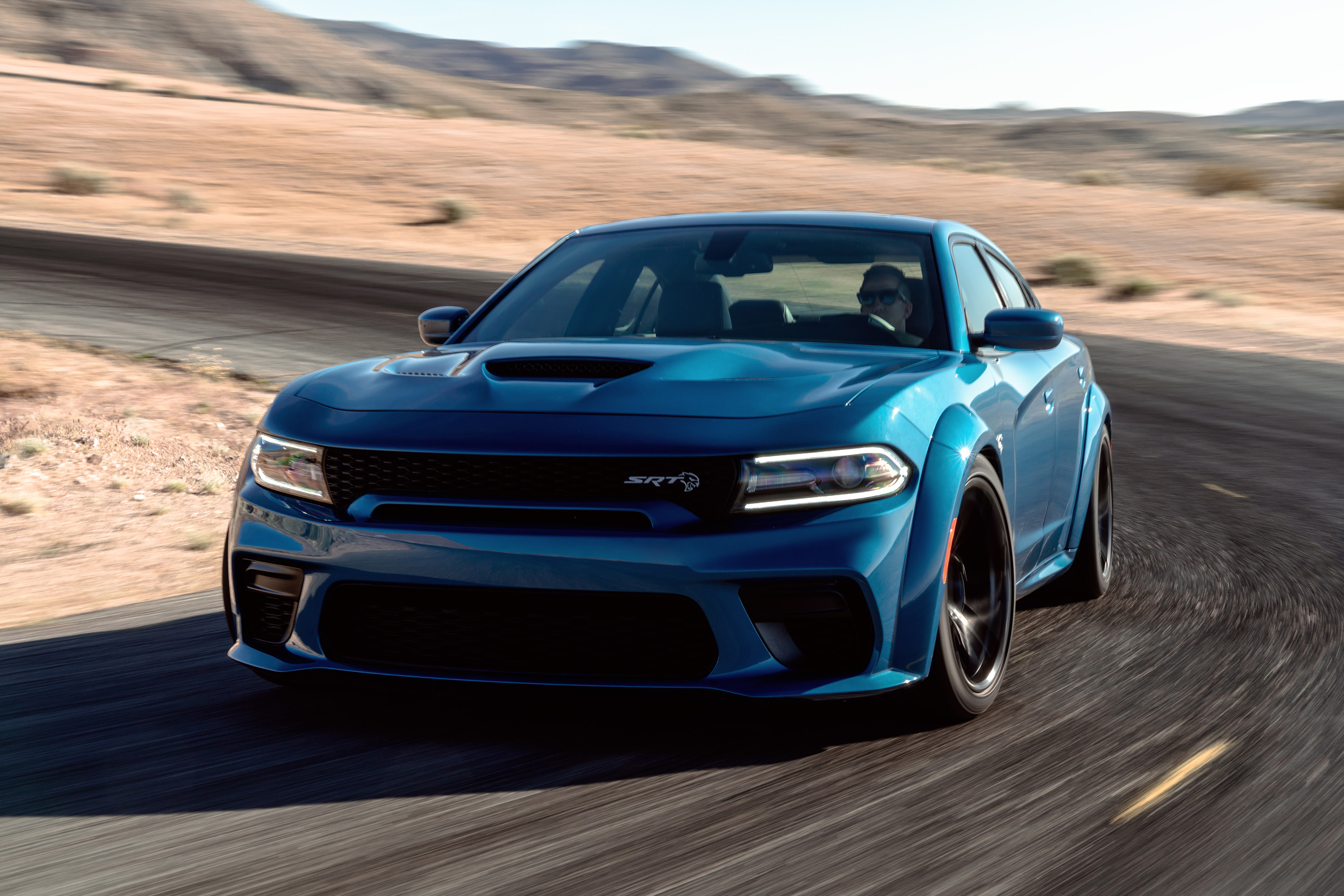 2020 Dodge Charger Hellcat and R/T Scat Pack Gain Wide Body Stance