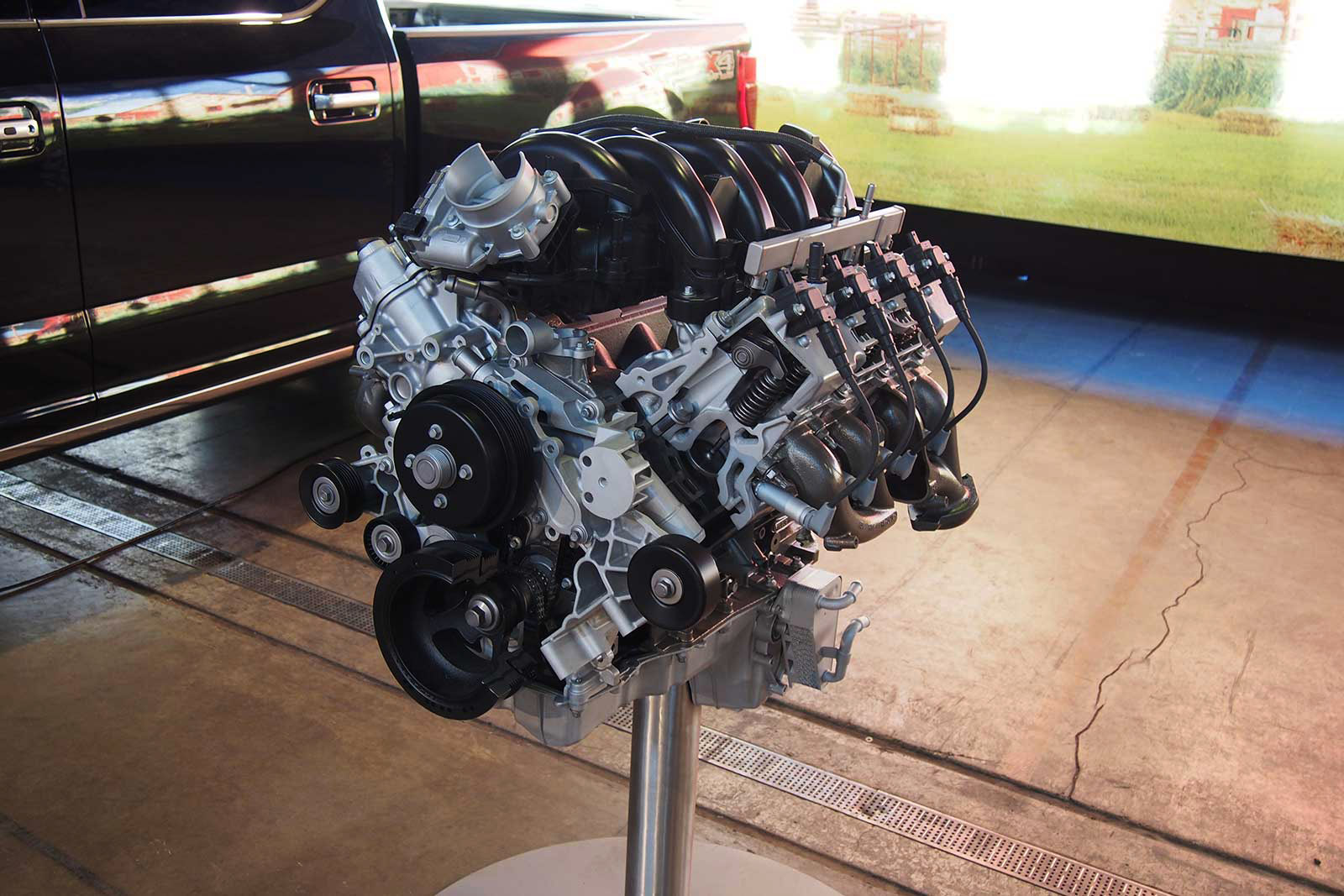 New 7 liter engine from Ford...??? - Page 2 2020-Ford-Super-Duty-Big-Block-V8-01