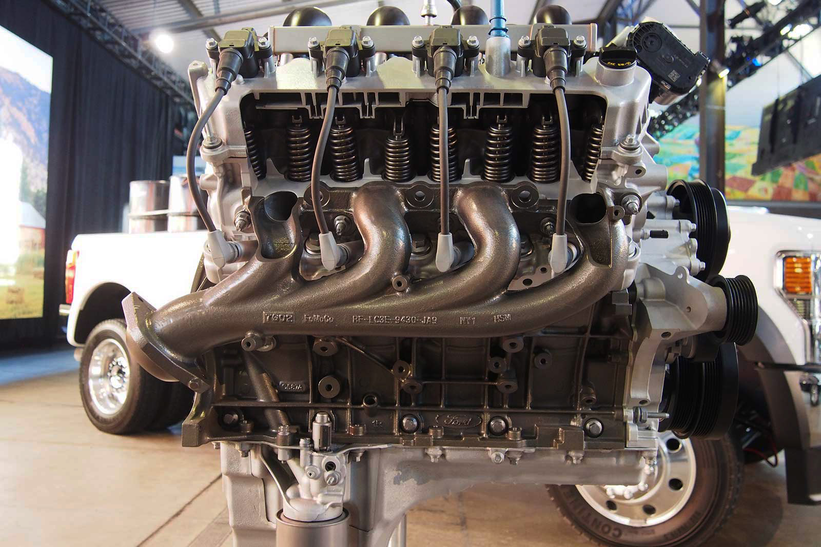 New 7 liter engine from Ford...??? - Page 2 2020-Ford-Super-Duty-Big-Block-V8-04