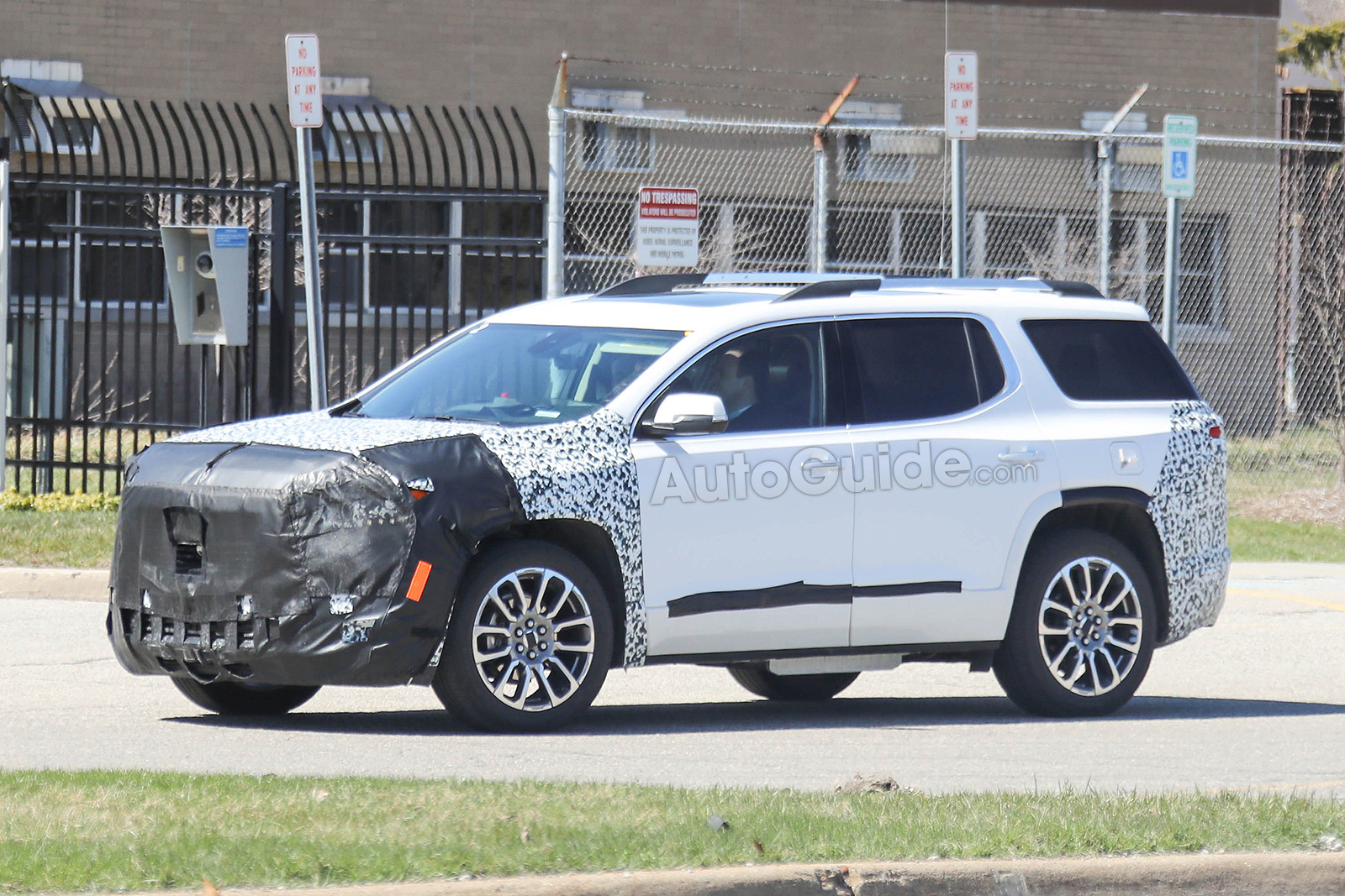 2020 GMC Acadia Spied Testing its Mid-Cycle Refresh ...