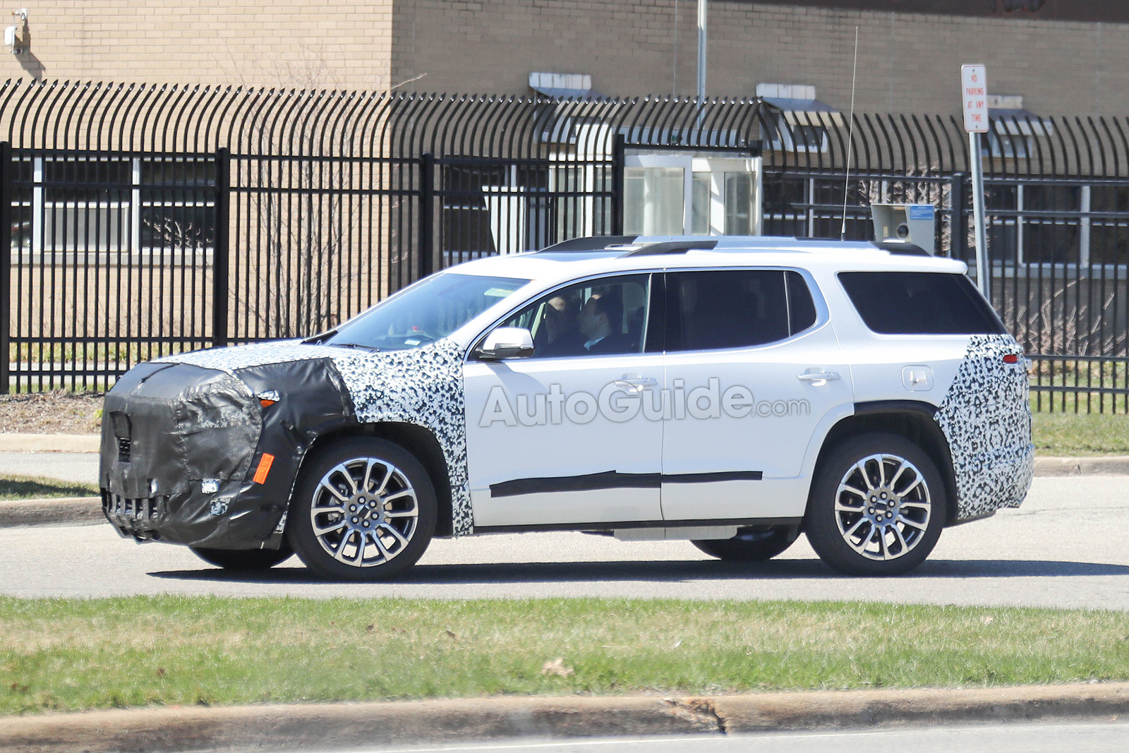 2020 GMC Acadia: Mid-update, News, Release >> 2020 Gmc Acadia Spied Testing Its Mid Cycle Refresh