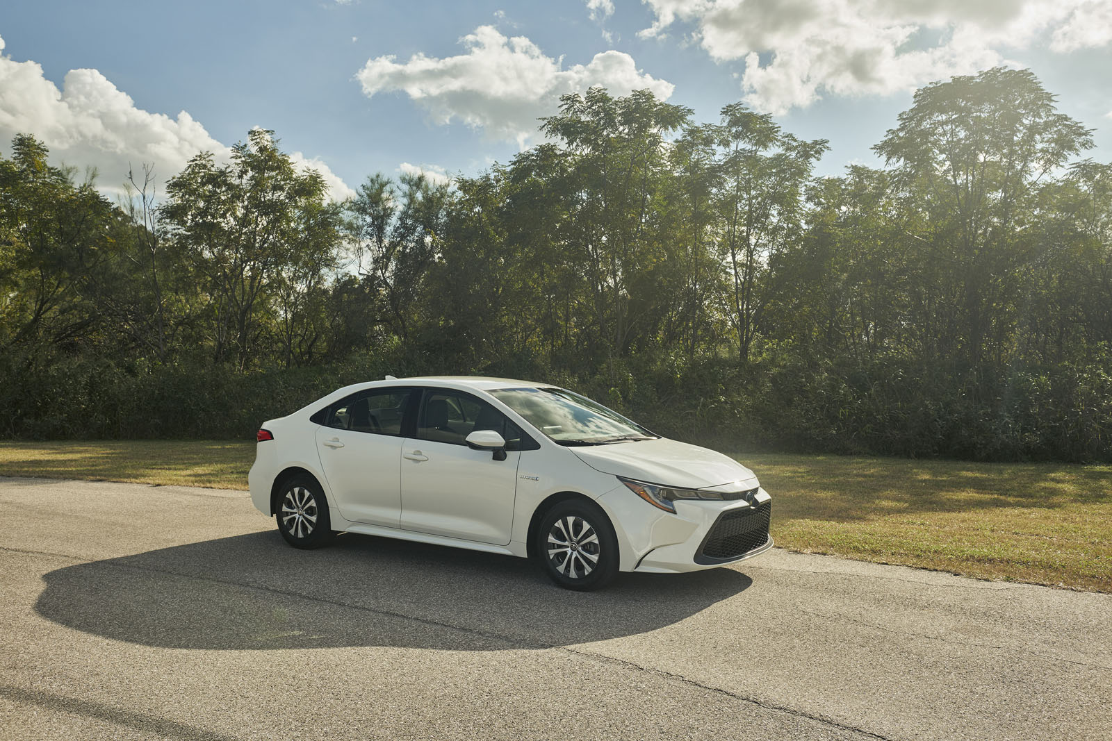 Toyota Corolla Mpg >> 2020 Toyota Corolla Hybrid Debuts with Prius Underpinnings » AutoGuide.com News