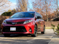 2020-Toyota-Sienna-SE-Review-11