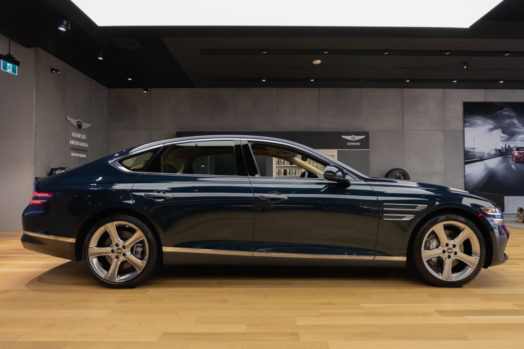 2021 Genesis G80 Preview Hands On With The Korean 5 Series Fighter Autoguide Com News