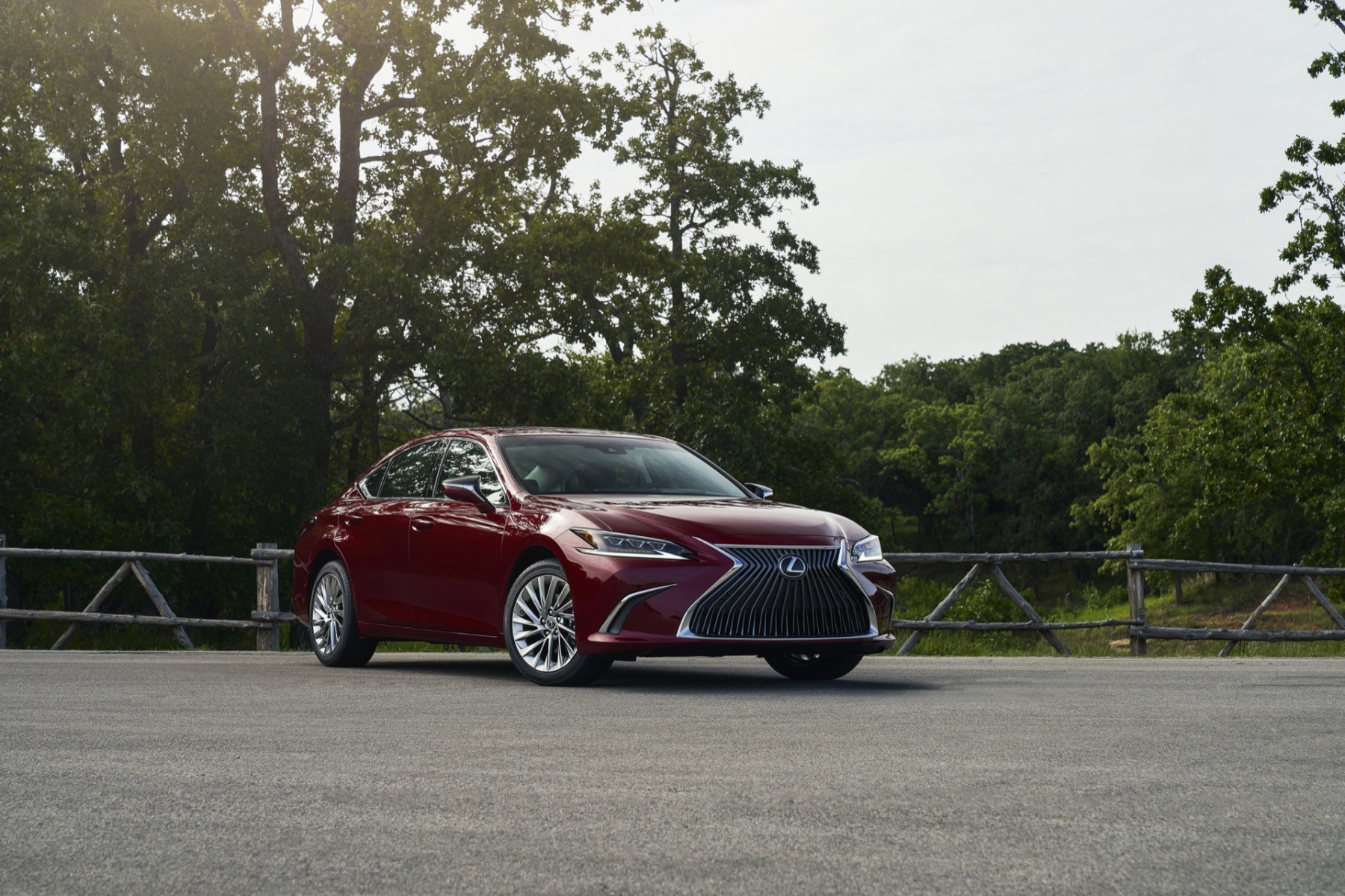 2021 Lexus ES Adds AWD Model and Lithium-Ion Hybrid ...