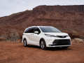 2021_Toyota_Sienna_Limited_02-scaled