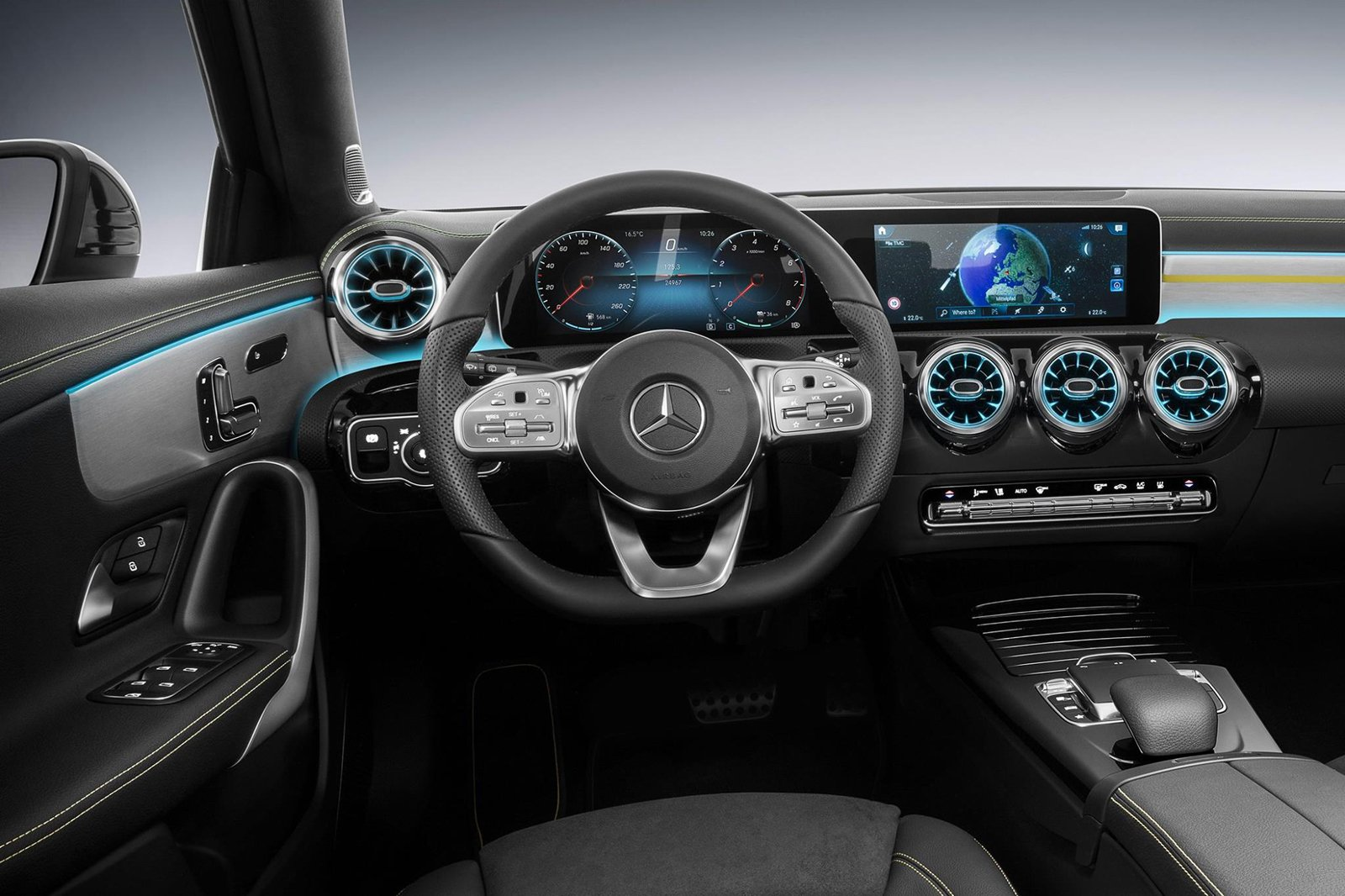 check out the interior of the new mercedes benz a class news. Black Bedroom Furniture Sets. Home Design Ideas