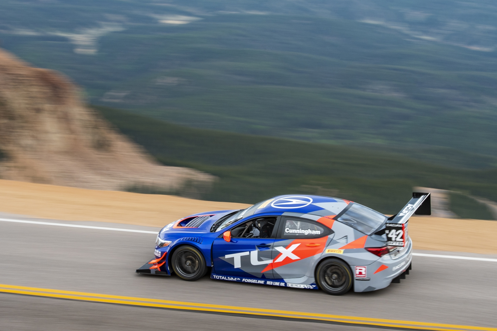 Acura is Racing at Pikes Peak..With a 2019 RDX » AutoGuide.com News