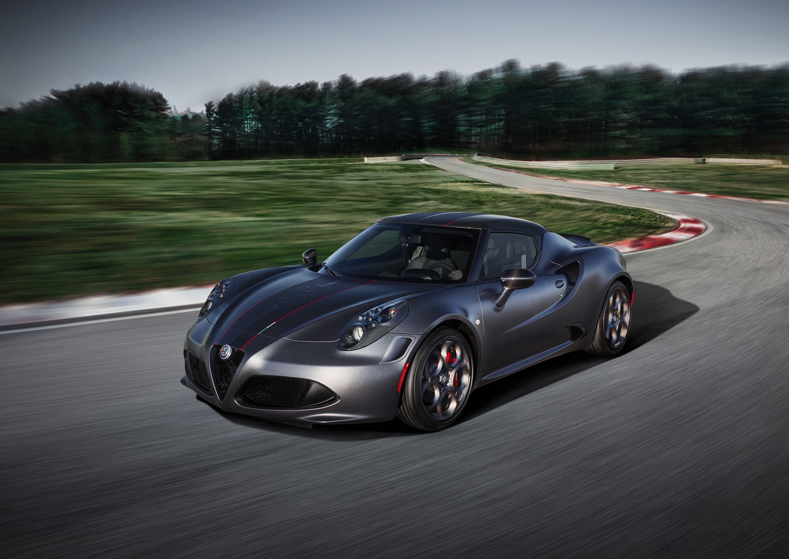 alfa romeo 4c competizione and italia editions debut news
