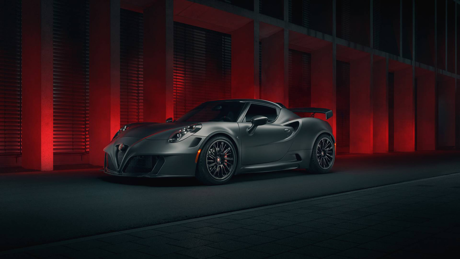this alfa romeo 4c makes 500 hp from just 1 9 liters. Black Bedroom Furniture Sets. Home Design Ideas