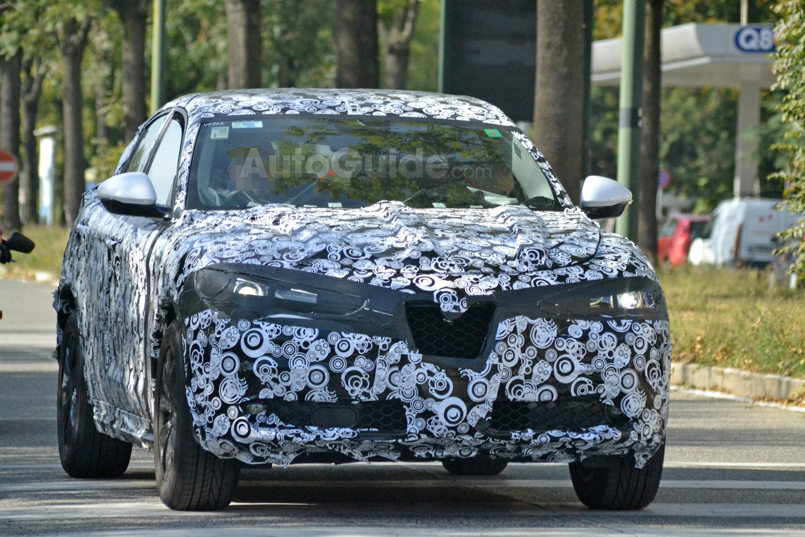 alfa romeo stelvio crossover looks ready for debut in spy shots news. Black Bedroom Furniture Sets. Home Design Ideas