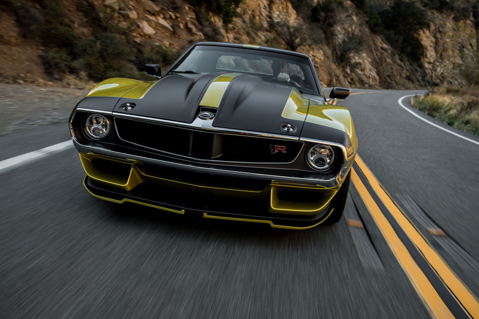 What It's Like to Drive a 1,000-HP AMC Javelin That Cost a