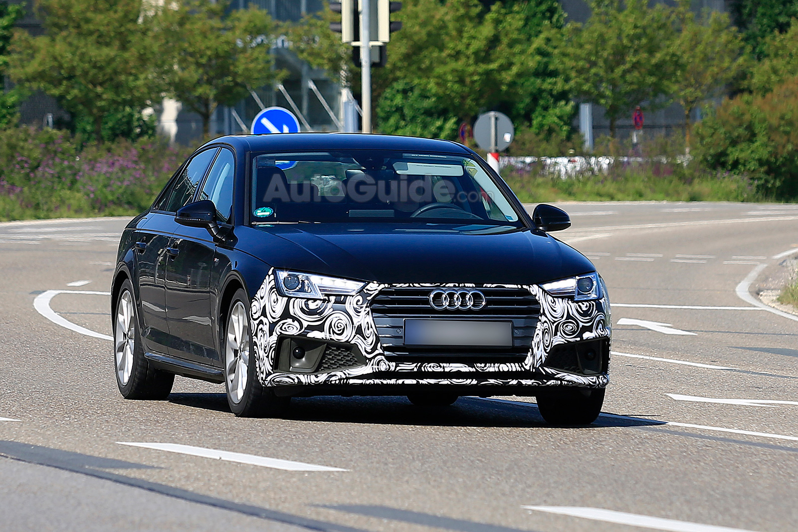 Spy Photographers Catch The Facelifted Audi A4 For First Time