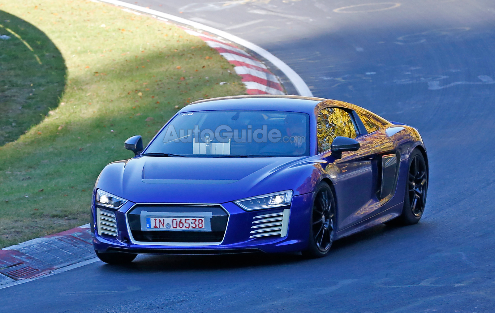 ... Audi R8 E Tron Nurburgring Spy Photos 02 ...