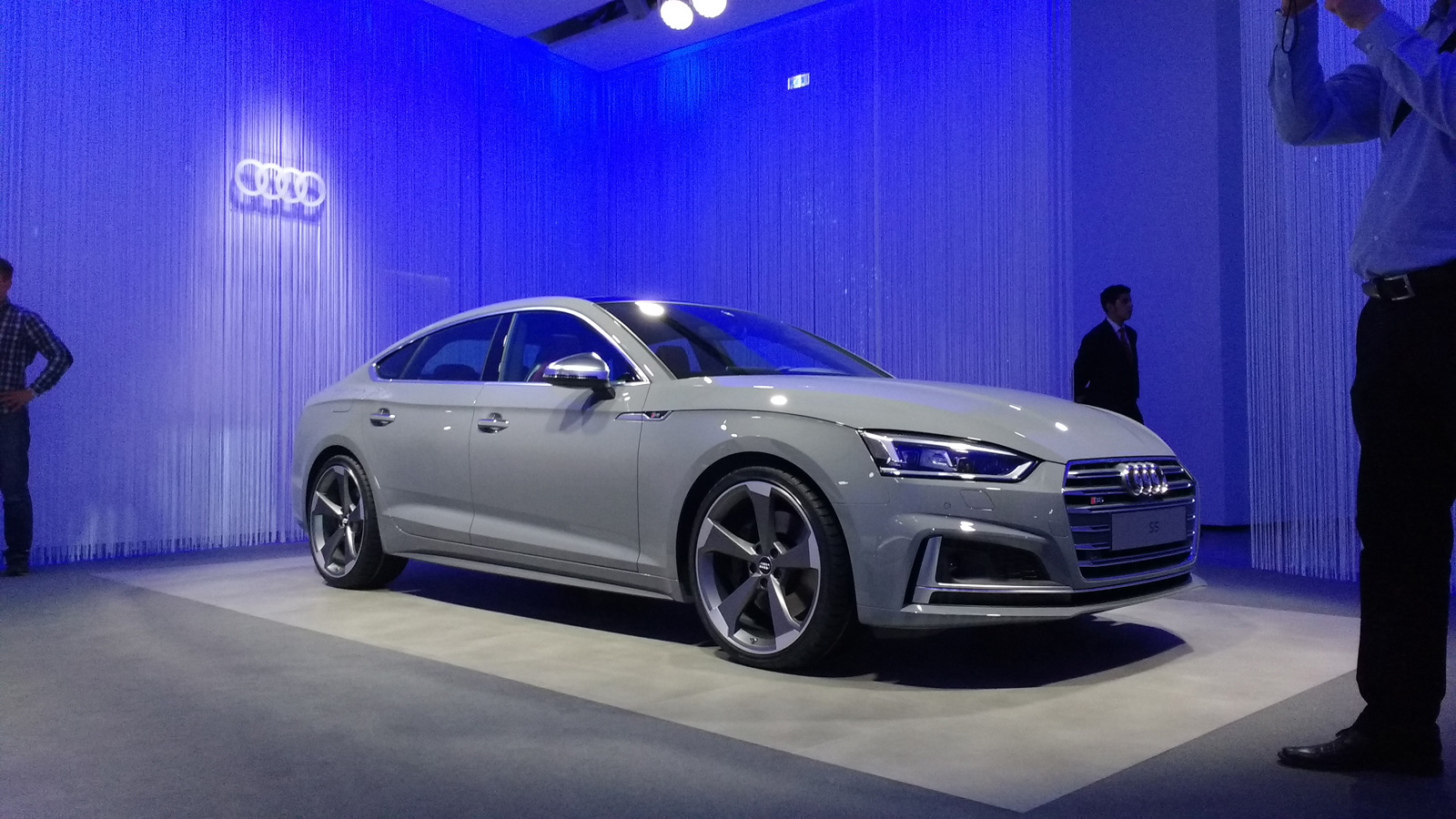 audi s5 sportback debuts with mini a7 looks news. Black Bedroom Furniture Sets. Home Design Ideas