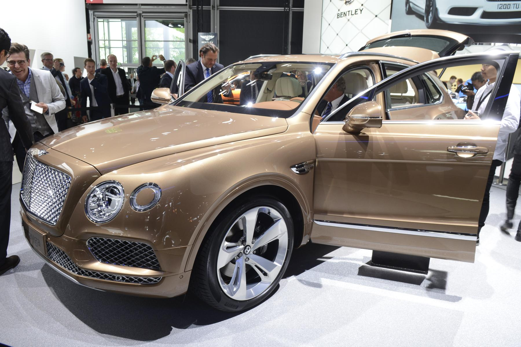 tag little large news bentley testing camouflage continental price view gtc spied spy auto photos with truck