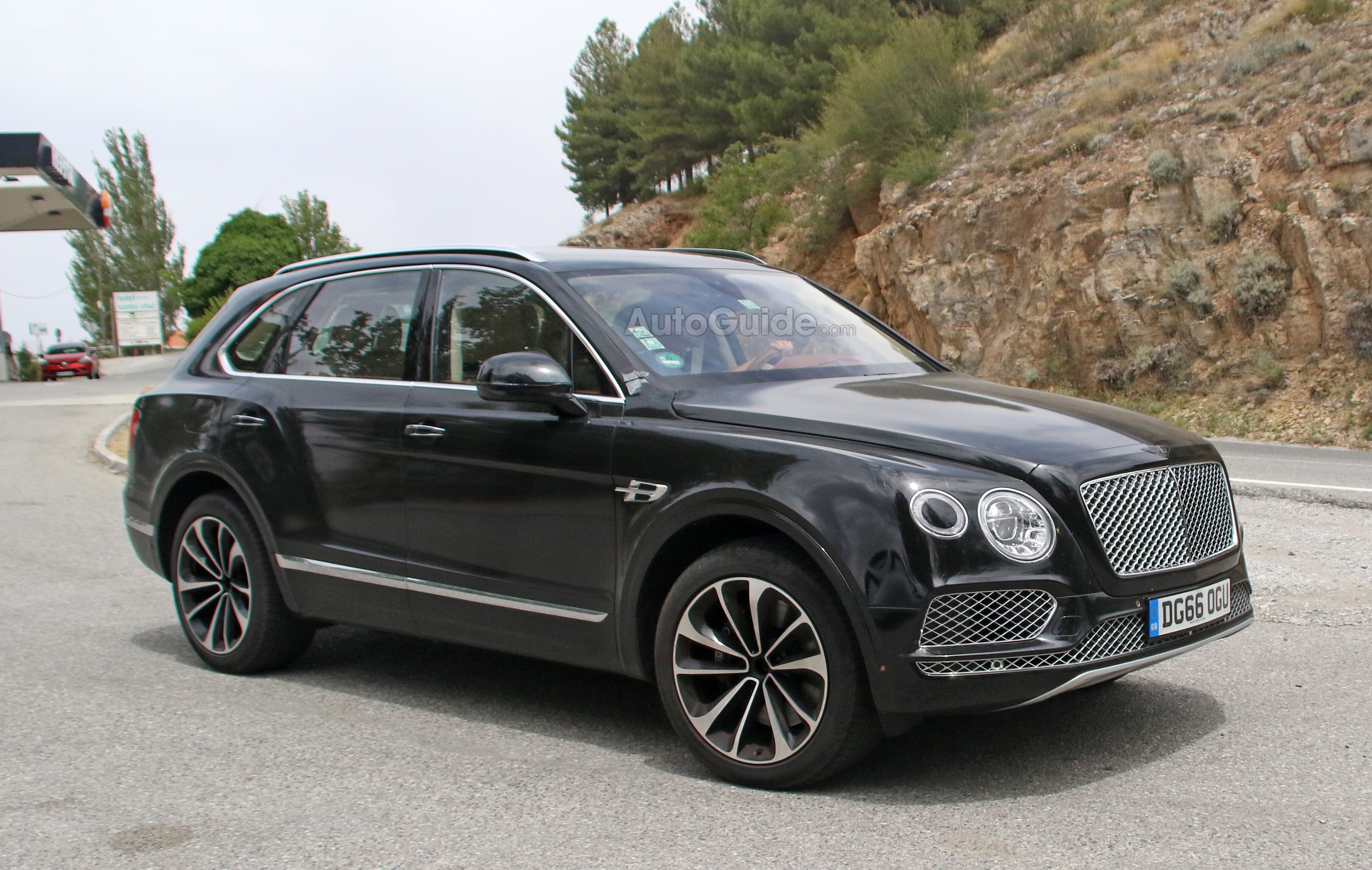 Bentley Bentayga Plug-In With Zero Emission Drive Mode Coming in ...