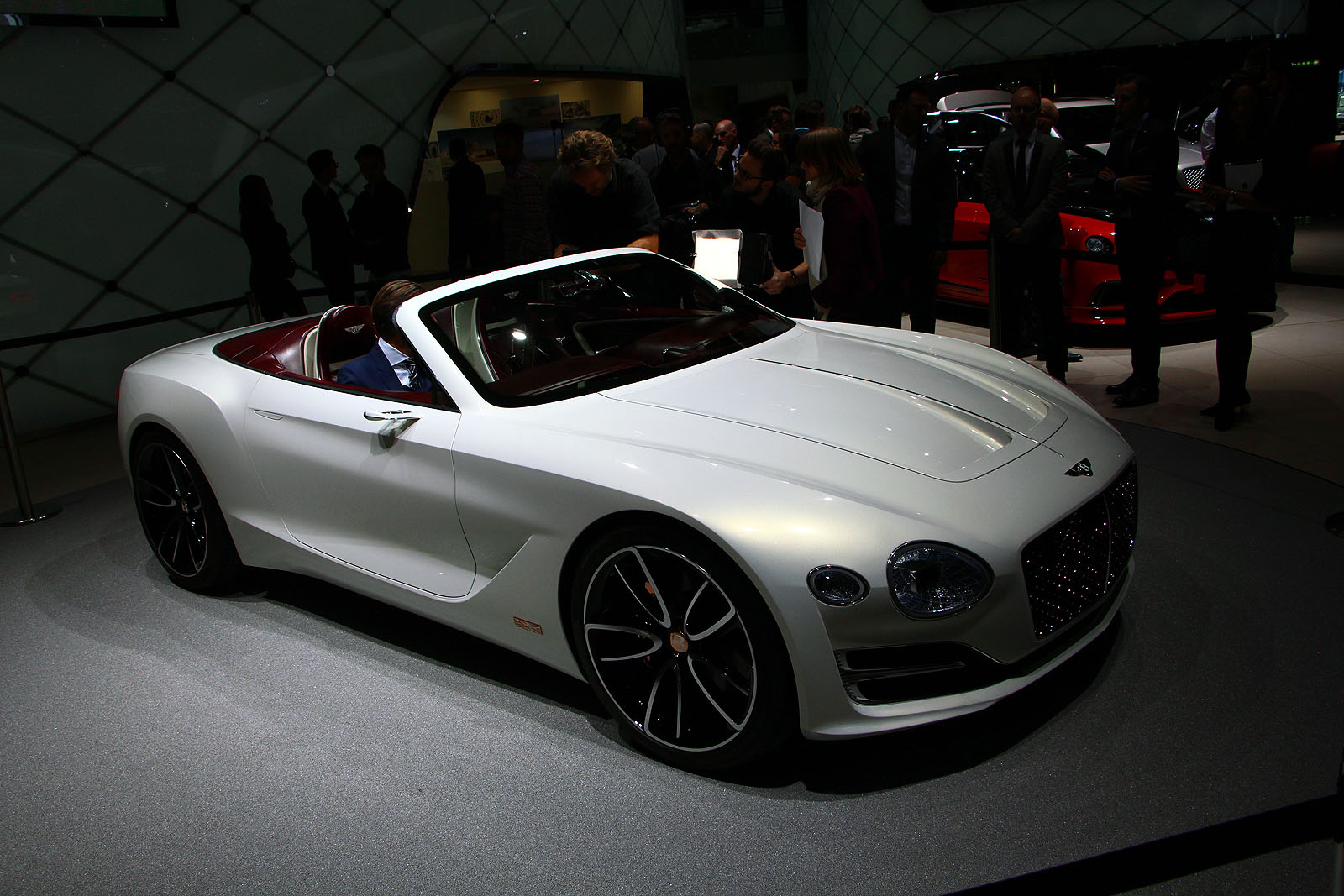 Nice Bentley Bentley EXP 12 Speed 6e Concept Live 05 ...