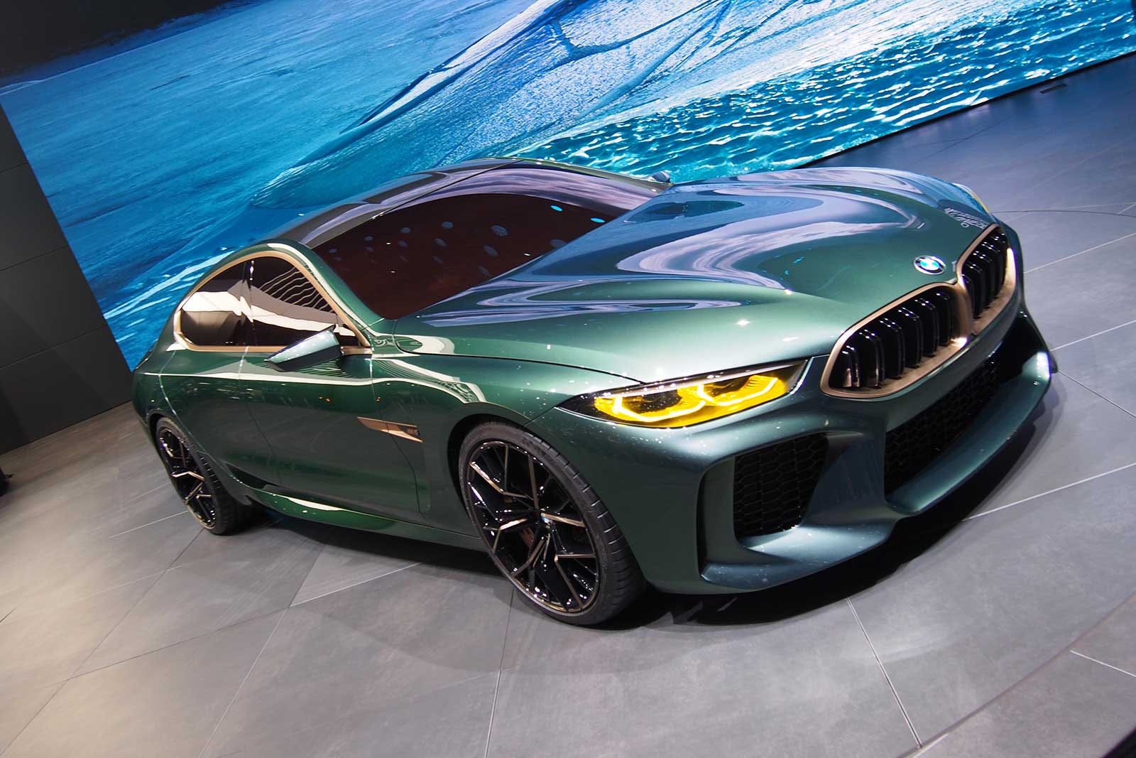 bmw concept m8 gran coupe a low and mean greenish gray flagship machine news. Black Bedroom Furniture Sets. Home Design Ideas