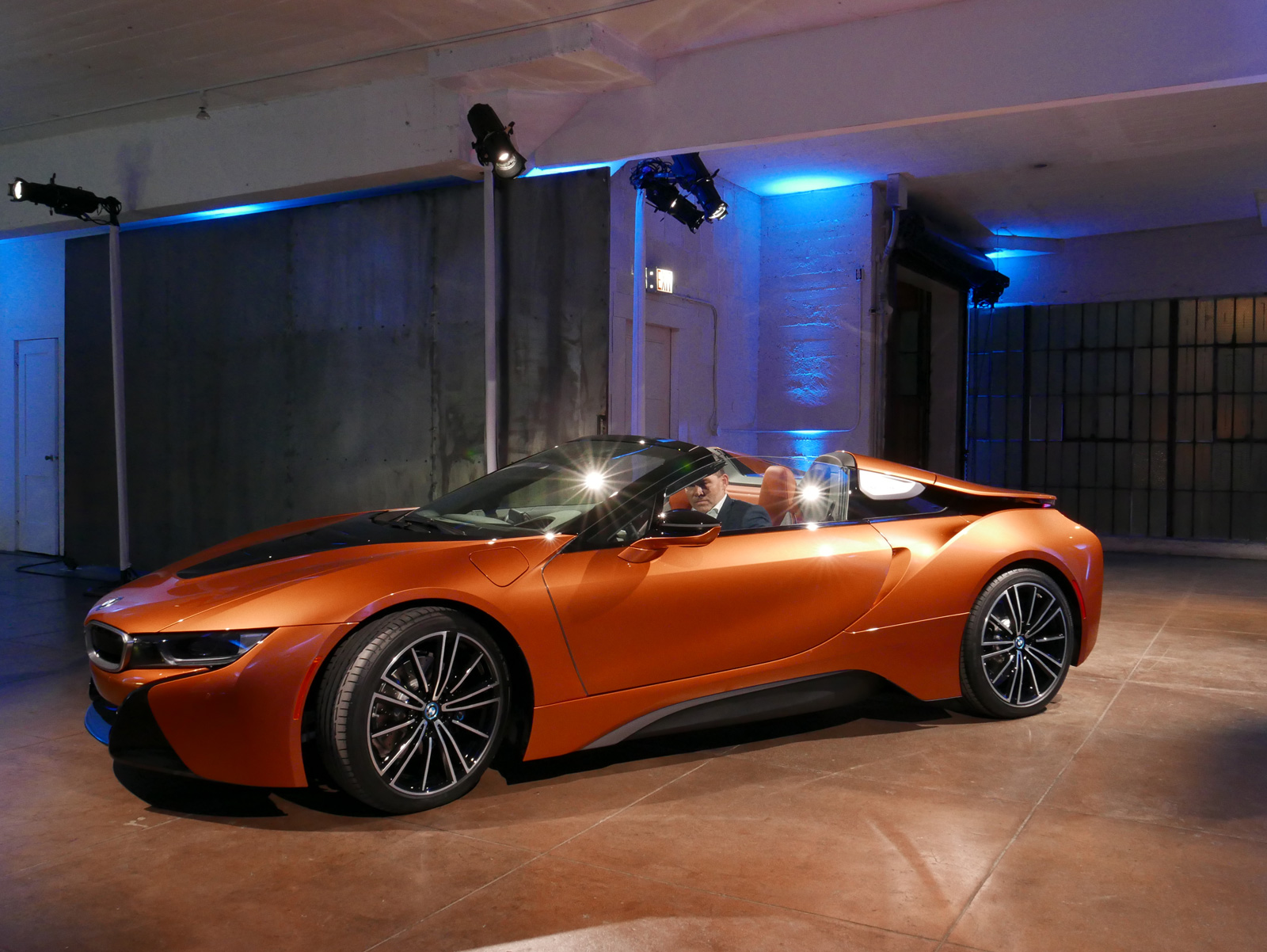 bmw i8 roadster and new i8 coupe debut news. Black Bedroom Furniture Sets. Home Design Ideas