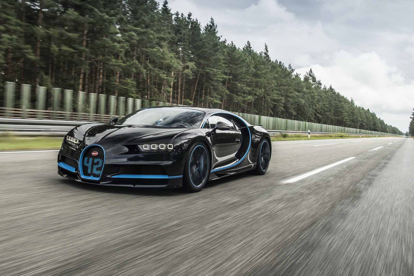 Bugatti Chiron Goes From 0-249 miles per hour  and Back in Record Time
