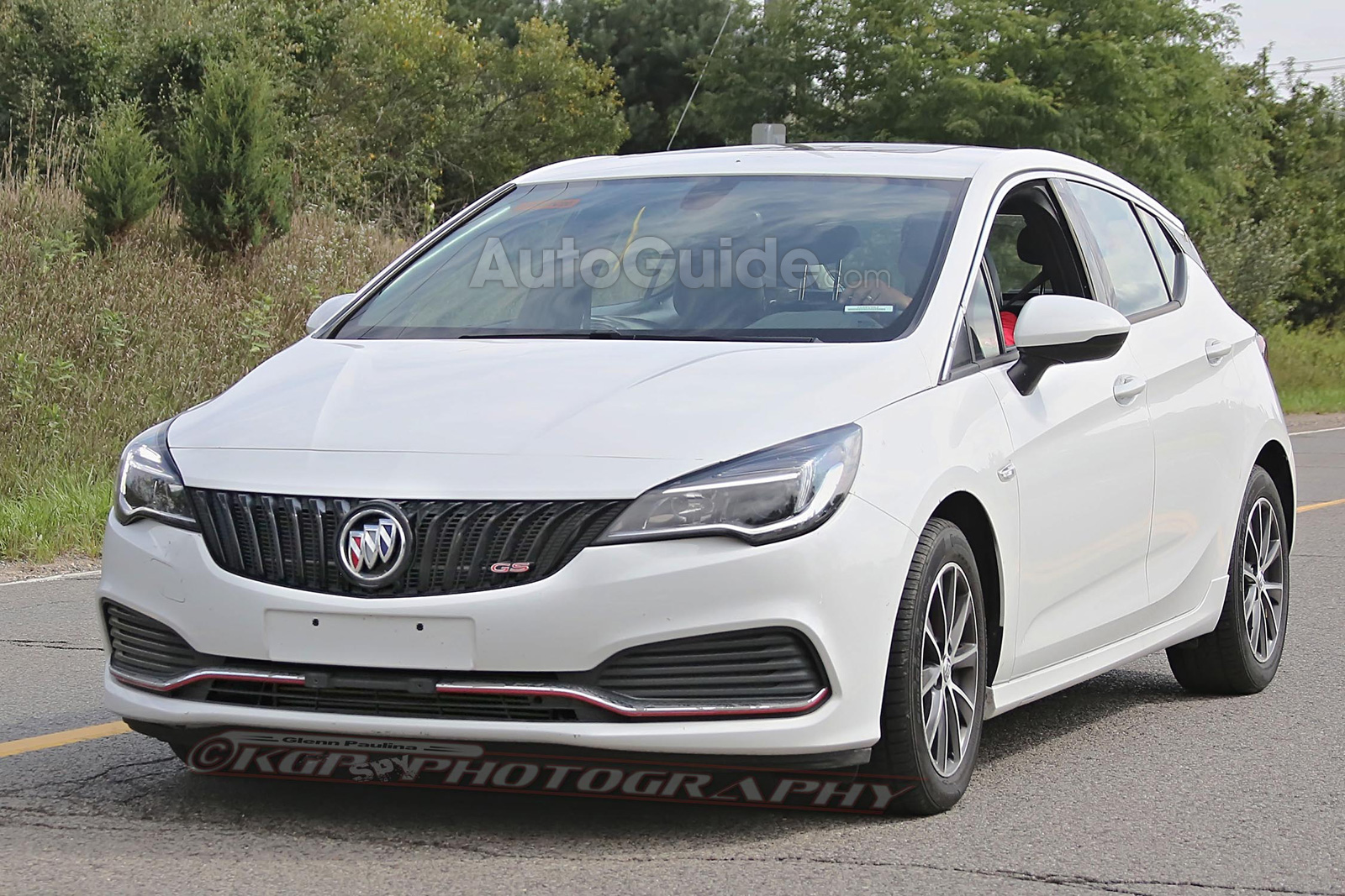 buick verano gs hatchback spied testing in the us news. Black Bedroom Furniture Sets. Home Design Ideas