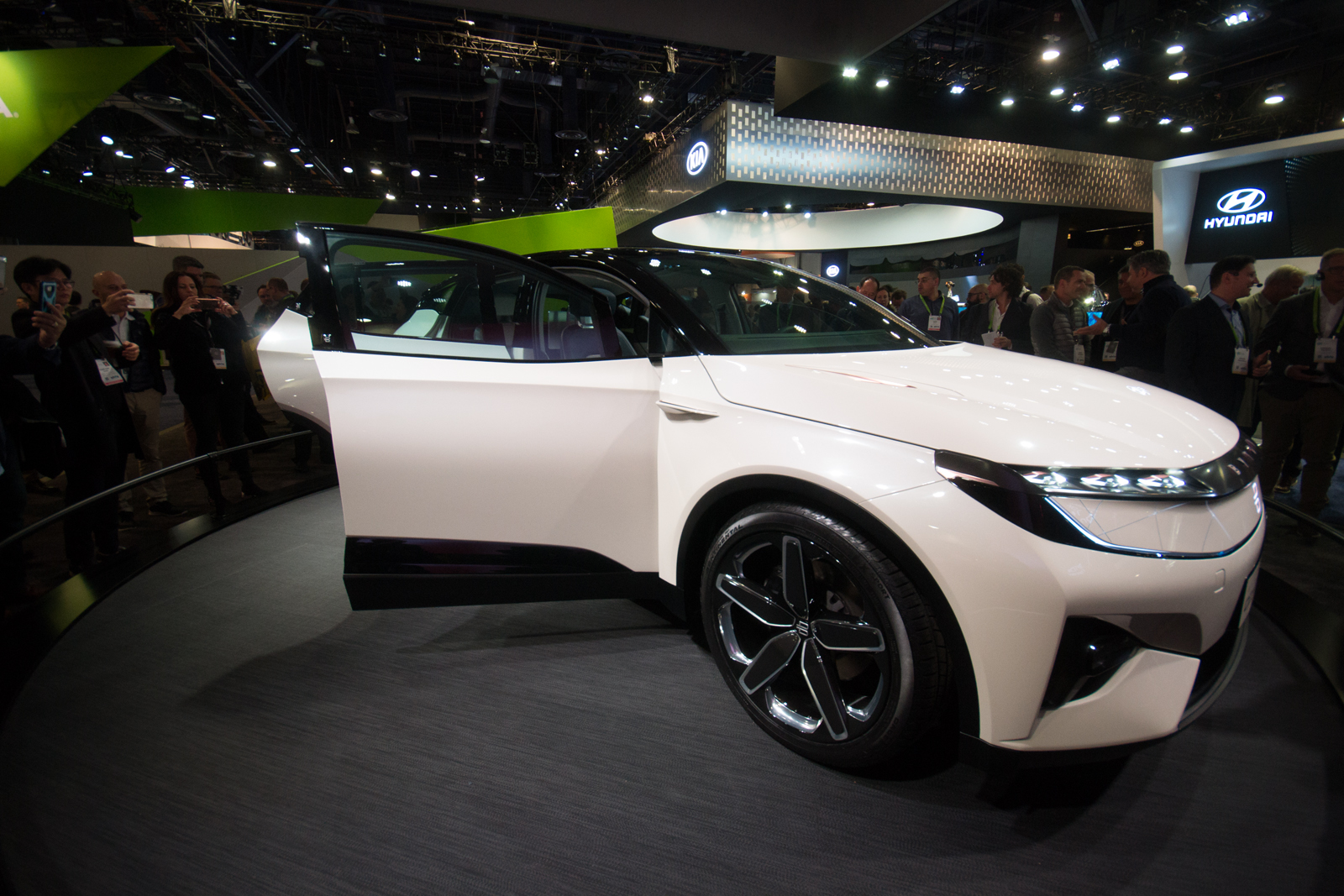 Byton Suv Concept Debuts At Ces Ahead Of Us Arrival In